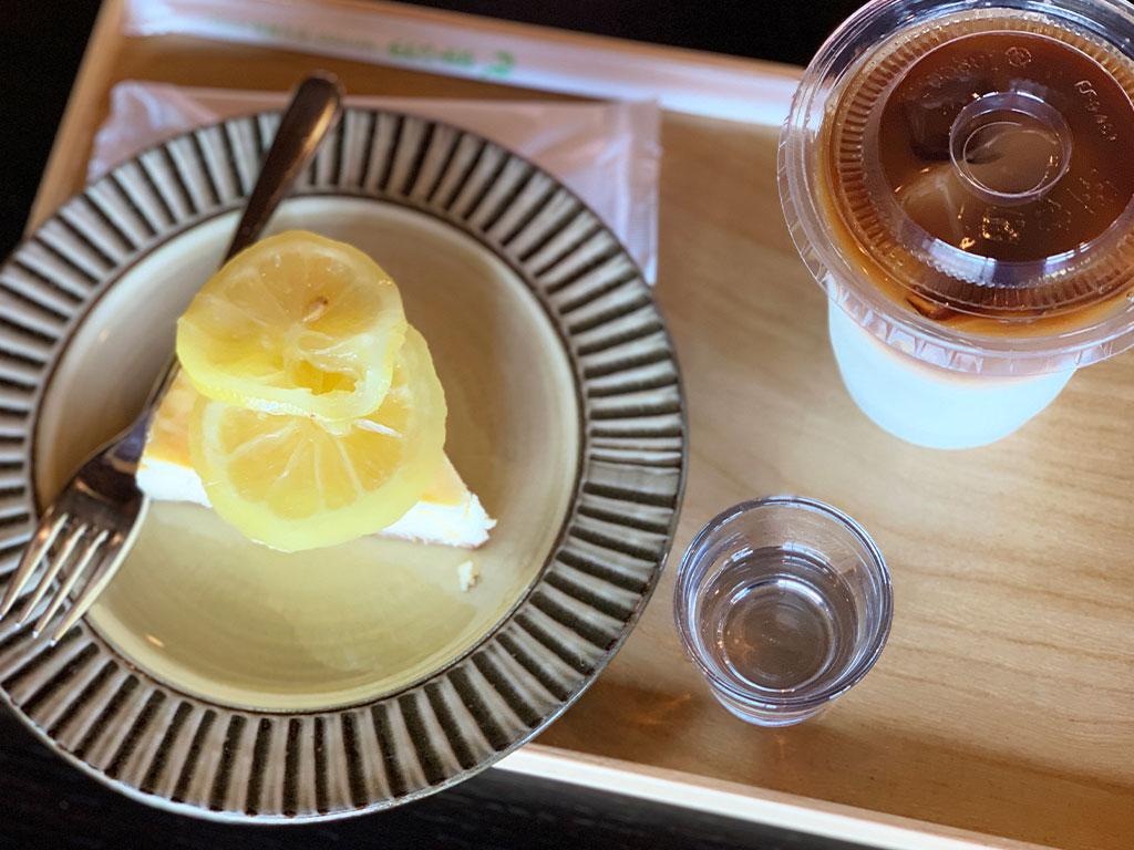 レモンチーズケーキとカフェオレ01