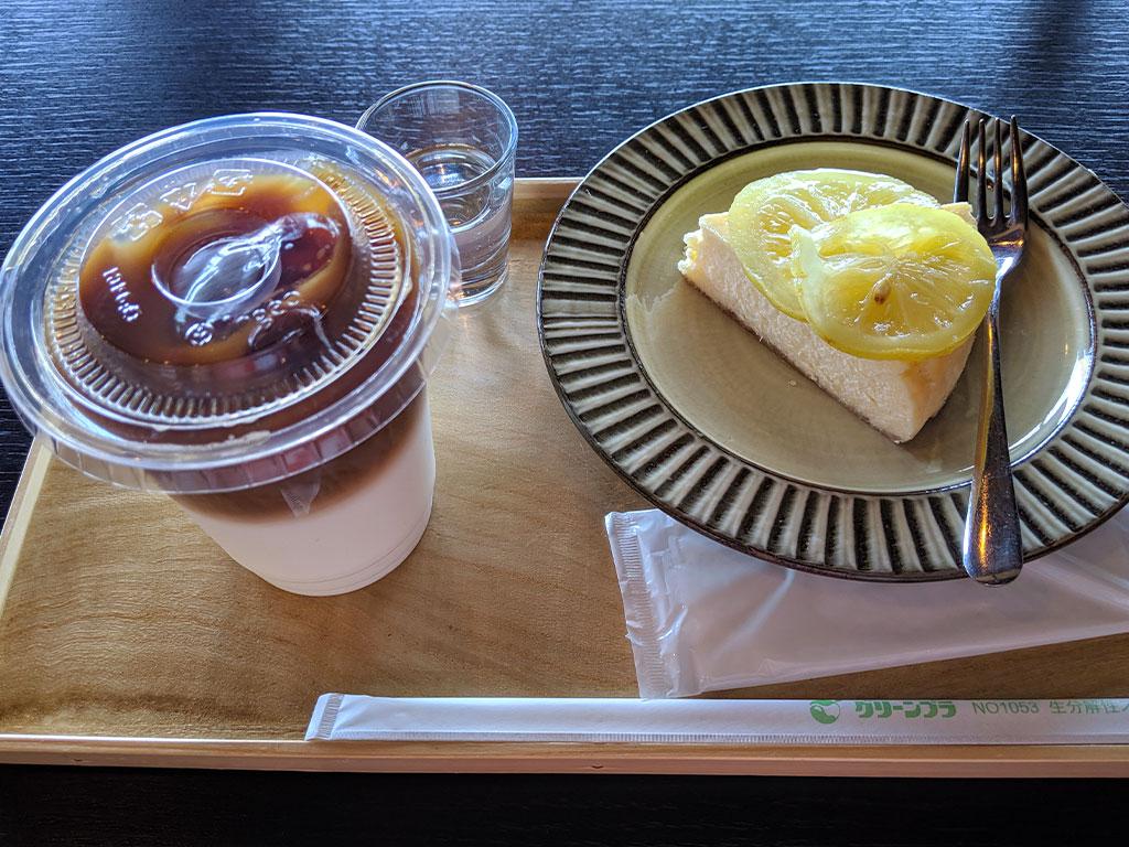 レモンチーズケーキとカフェオレ02