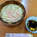 川のせせらぎを聞きながら徳島の郷土料理「たらいうどん」を食す