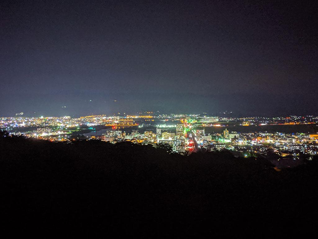 駐車場から撮った夜景