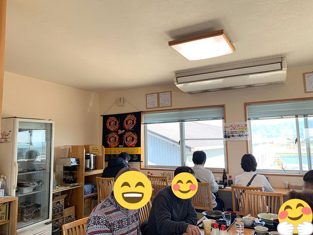 2Fの食堂内