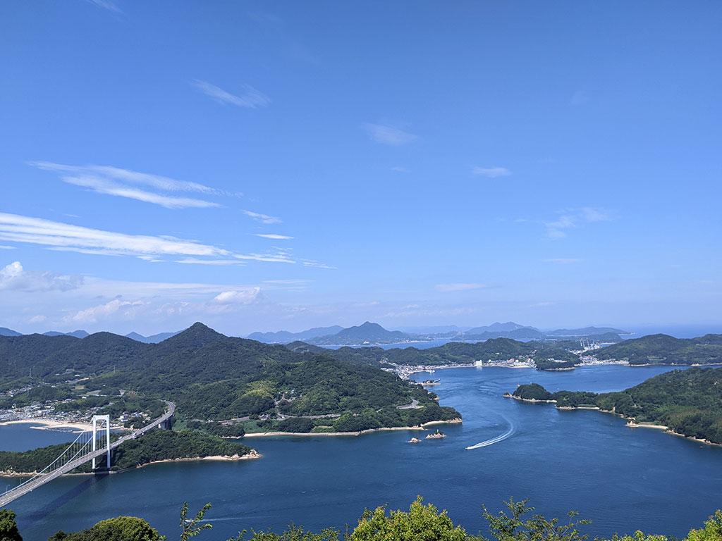 伯方・大島大橋と能島
