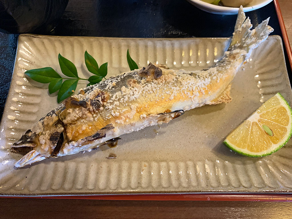 天然あゆの塩焼き定食02